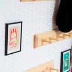 Sæt en knagerække hvorend der er behov for at hænge noget op (foto: traevarer.dk)